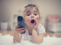 Gyerekek a tévé előtt – tanulságos útravaló vagy szükséges rossz a mesenézés?