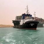 Valaki betette a Microsoft repülős játékába a Szuezi-csatornában keresztbe fordult teherhajót