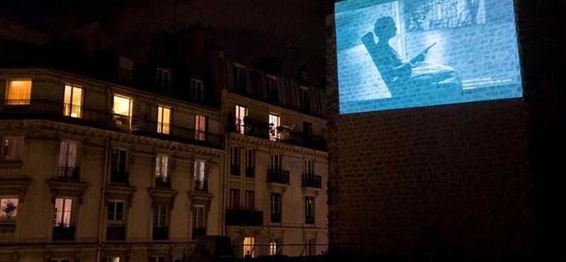 A párizsiak kitalálták, hogy kell mozizni a karantén idején
