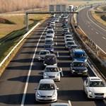 Javult a helyzet az utakon, csökkent a forgalom
