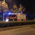 Kiégett egy autó a Pusztaszeri úton – fotók