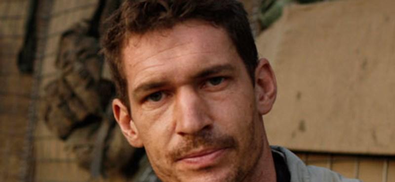 Páncéltörő gránát ölte meg Tim Hetherington fotóriportert Líbiában