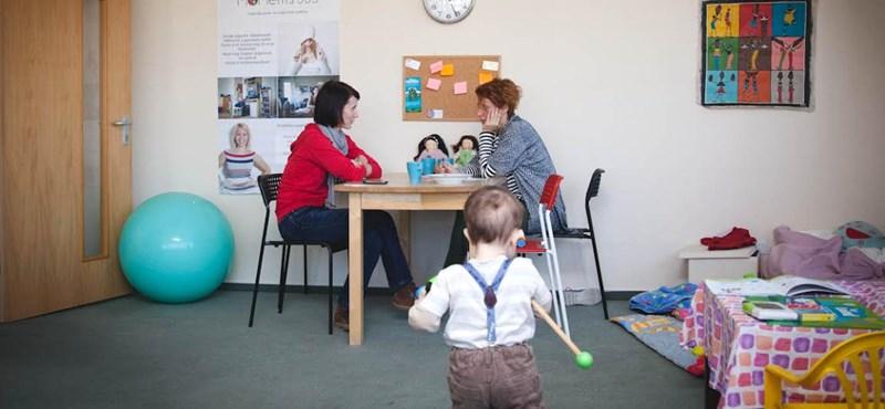 Kisgyerek mellett dolgozik? Ők segíthetnek!