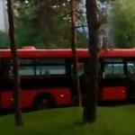 Letarolta a fél utcát egy elszabadult pozsonyi busz