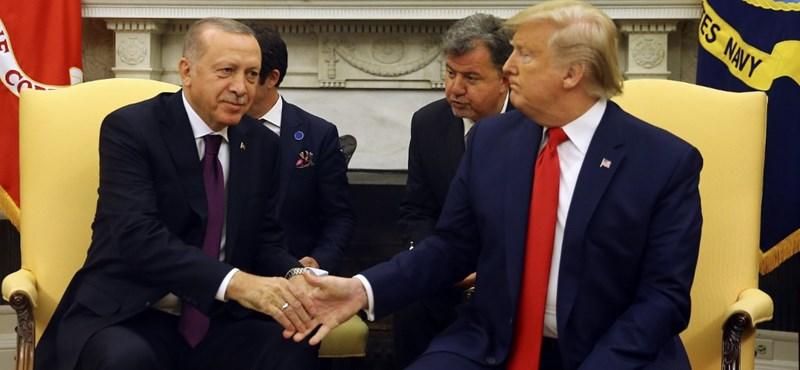 Trump Erdogannak: Régi jó barátom
