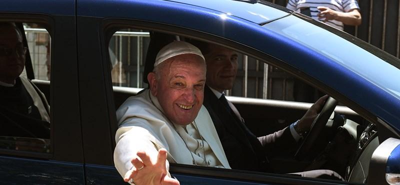 Zöldséglevest evett Ferenc pápa Csíksomlyón