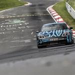 A Nürburgringen máris szaladt egy rekordot a Porsche Taycan
