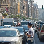Karambolozott és felborult egy autó a Rákóczi úton