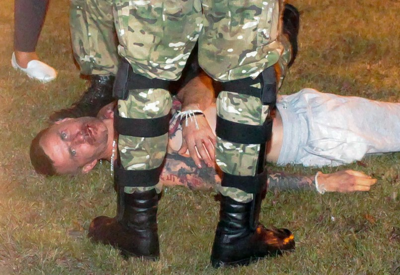 Véresre verték a választási eredmény ellen tüntetőket Fehéroroszországban - Nagyítás