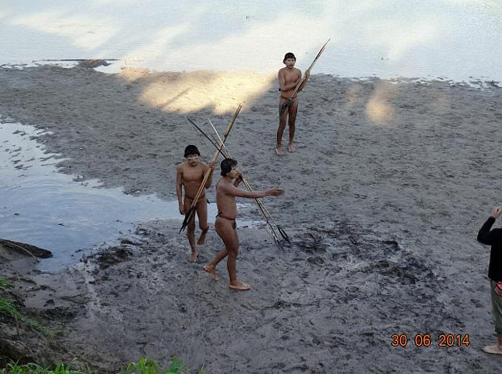 afp. hét képei - Brazília, Feijo, Elszigetelt brazil őslakosok, Alto Envira 2014.07.31.