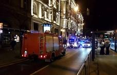 Rengeteg tűzoltó és rendőr lepte el a Király utca környékét