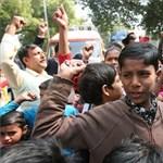 Képek: gyerekek tüntetnek a gyerekmunka ellen