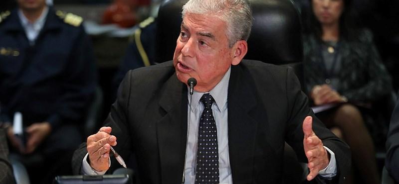 Lemondott a perui miniszterelnök
