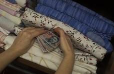 130 milliárd forintot tettek a magyarok a matracba három hónap alatt
