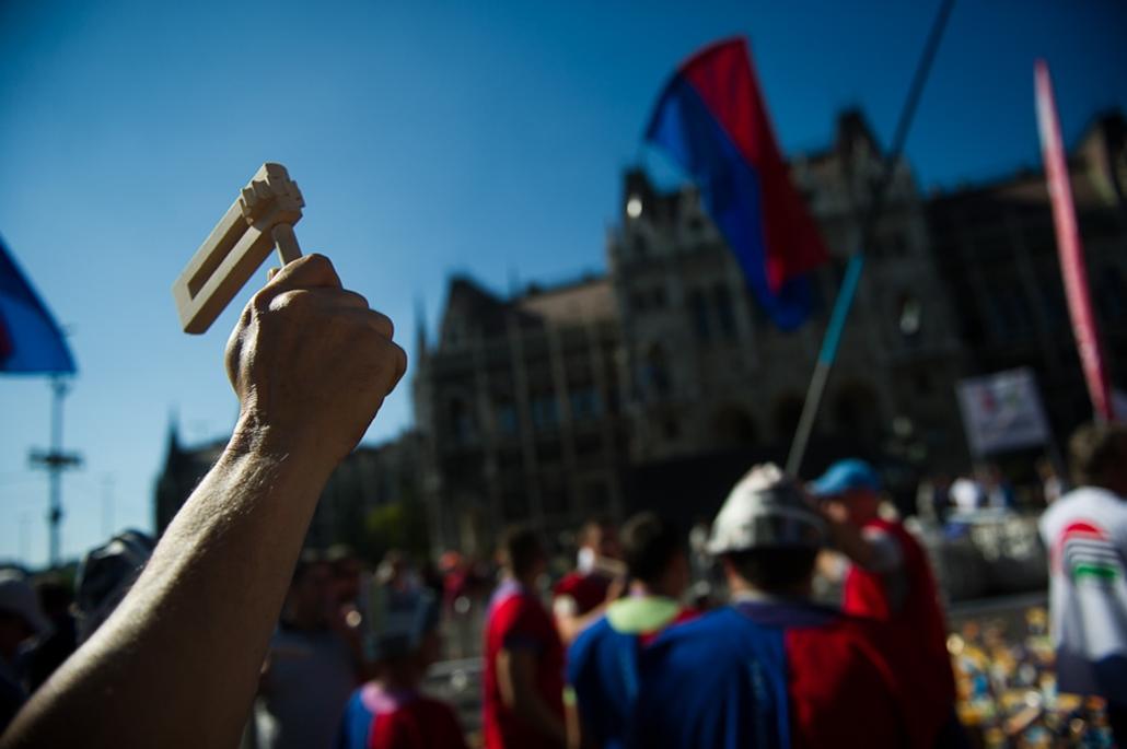 Szakszervezeti tünetés a Kossuth téren D-Day