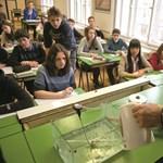 Mire jó a többosztályos gimnáziumi rendszer? Bebetonozni az elit pozícióit
