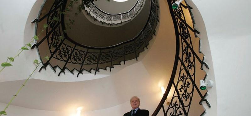 Nem hagyja magát áramtalanítani a magyar Wikileaks