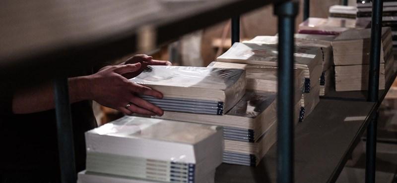 Az iskolai tankönyvrendelést is kiszervezheti a kormány az állam kezéből