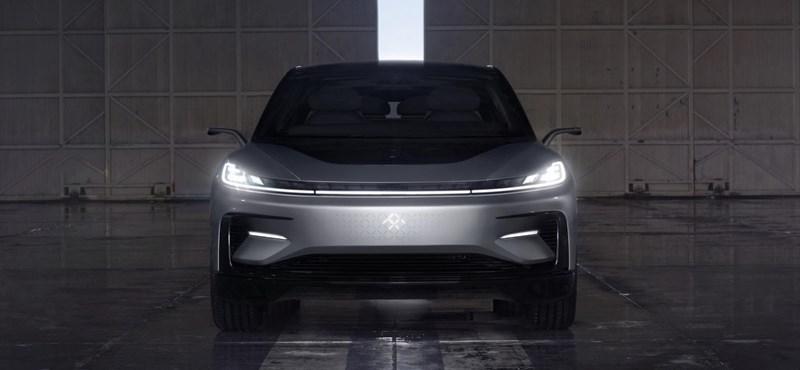 Már a kínai autót is koppintják a kínaiak