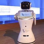 A Jetson család Rosey-jára emlékeztető robot zavarta meg egy török miniszter beszédét – videó