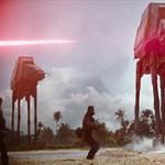 Jön az új Star Wars, és most mindenki ezt a kisfiút irigyli