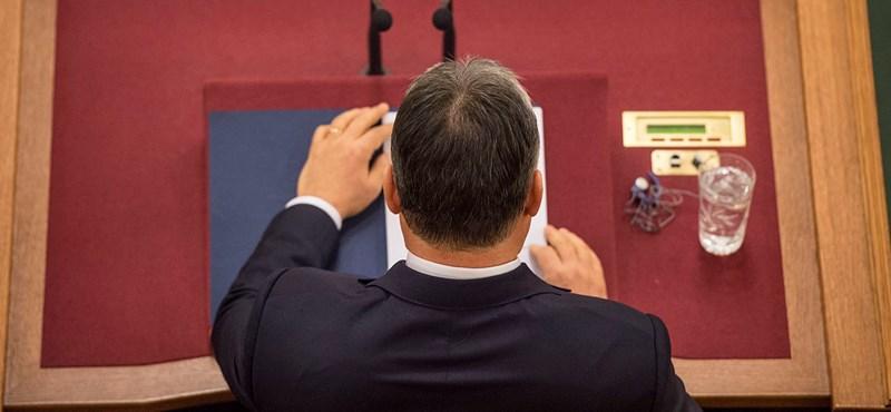 Orbán már megint Brüsszelt és Merkelt szidalmazta, Gyurcsány diktátorozva válaszolt