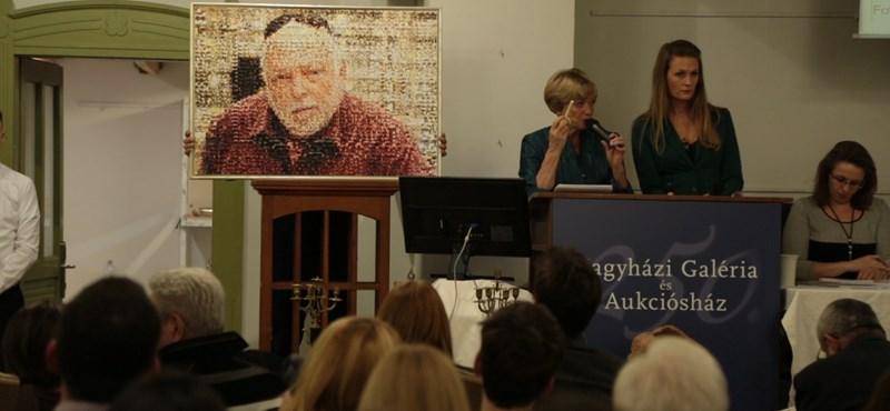 Elárverezték Andy Vajna gyűjteményét, elkelt a legendás kabriója is – videó