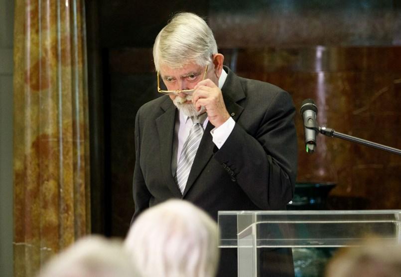 Három beszédírót tart Kásler Miklós, de azt nem tudhattuk meg, mennyiért