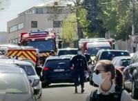Halálra késeltek egy francia rendőrnőt, a támadót lelőtték