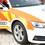 Gyors segítség: egy új Audi A4-est kaptak a mentősök