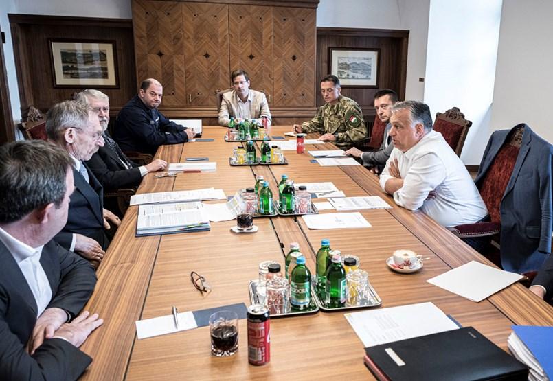 Orbán lényegében ismét különleges felhatalmazást kér