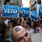 Az Európai Bizottság egy hónapon belül látni akarja a civiltörvény módosítását