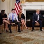 Fegyvert adna a tanároknak Trump, hogy ne legyen több iskolai vérengzés