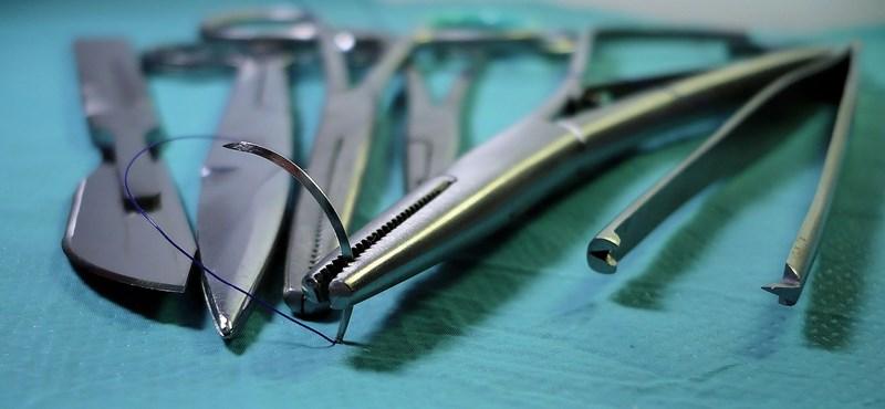 A világon először végeztek élő donoros tüdőátültetést koronavírusos betegen