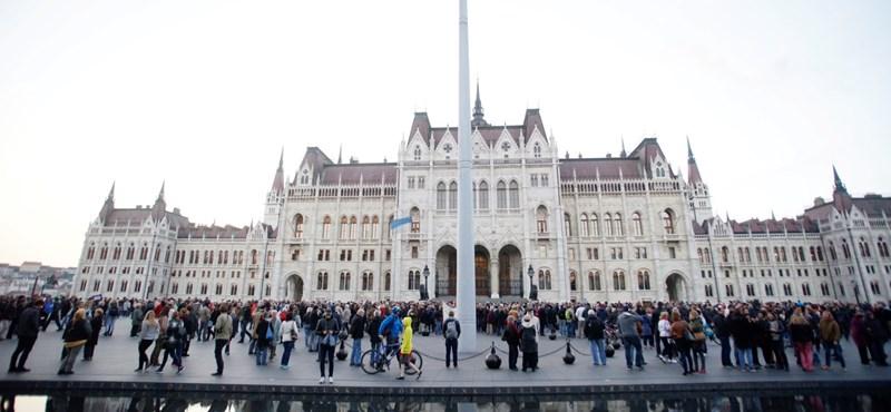 Perverzió, vizitdíj és az EU sztálini tempója: parlamenti ülésnap van