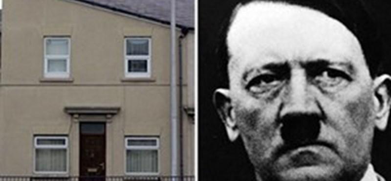 A ház, ami úgy néz ki, mint Adolf Hitler ...