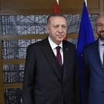 Erdogan konkrét támogatást vár a NATO-tól