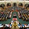 Egész éjjel vitáztak a képviselők a parlamentben az új házszabályról