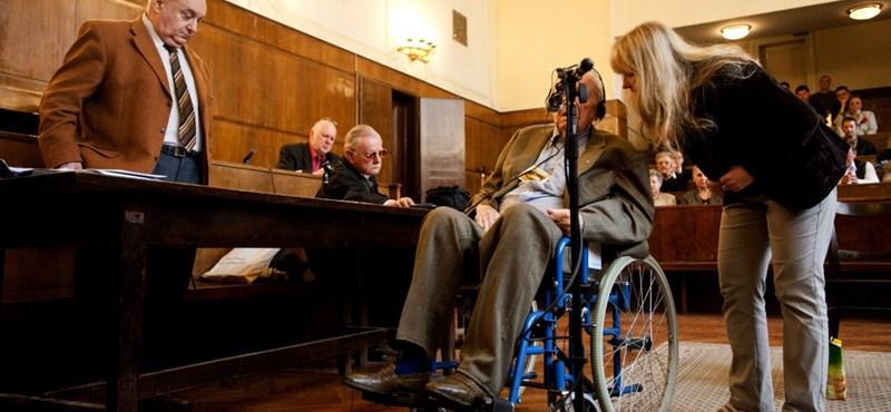 Képíró-per: beszámítható a vádlott, folytatódhat a tárgyalás