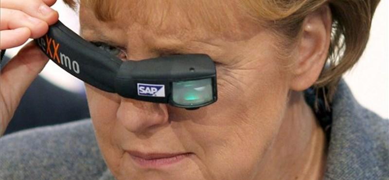 Párttársai bírálják Merkelt a választási kudarc miatt