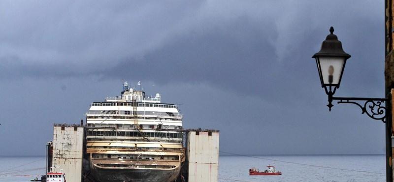 Megkezdték a Costa Concordia megsemmisítését