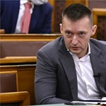 Rogán Antal: Nem azért foglalkoztunk a menekültekkel, mert fontosnak tartottuk, hanem mert erőltették