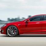 Olcsóbb villanyautók: árat csökkentett a Tesla