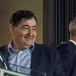 Mészáros Lőrinc az Irigy Hónaljmirigy arénakoncertjének főtámogatója
