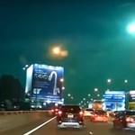 Videó: Tűzgolyó világította be az éjszakai eget