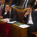 Lázár mindenkit megnyugtatott: Orbán legalább 2014-ig miniszterelnök lesz