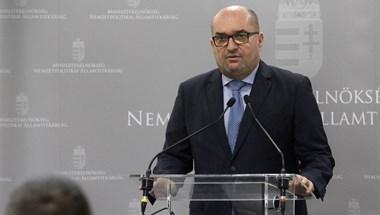 A NATO-tagság ügye állhat a kárpátaljai magyarok vegzálása mögött