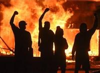 Bunkerbe menekíthették Trumpot a tüntetők miatt
