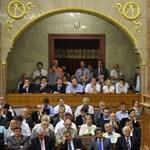 Orbán kicsomagolta a 300 milliárdos akciótervét