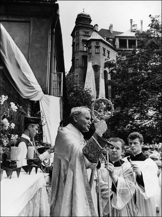 afp.78.10.16. - Krakkó, Lengyelország: Karol Josef Wojtyla érsek mise celebrálása közben. -  - II. János Pál pápa